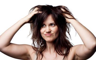 Bye-Bye Rambut Lepek Berminyak! Dry Shampoo Praktis Ini Bikin Rambut Segar dan Bervolume!