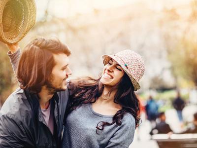 Tidak Melulu Soal Penampilan Cantik, Ternyata Inilah 7 Hal yang Justru Pria Suka dari Wanita! (Part. 2)
