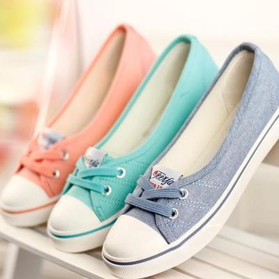 Flat Shoes Tali Depan