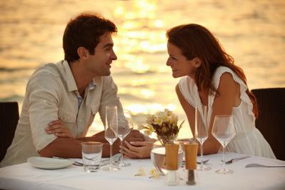 Inilah 7 Rekomendasi Tempat Makan Romantis yang Bisa Kamu Kunjungi Bersama Si Dia