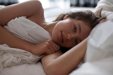 Siapa Sangka, Ternyata 4 Manfaat Kecantikan Ini Bisa Didapatkan Hanya dengan Tidur Cukup!