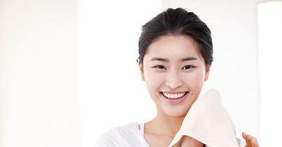 Panduan Memilih Pembersih Wajah yang Aman dan Cocok untuk Kulit Berminyak