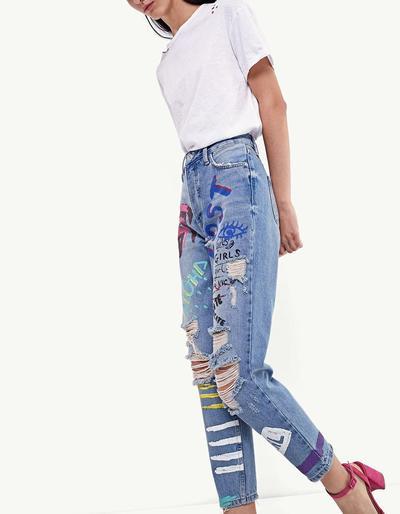 Ingin Tampak Lebih Muda dan Fashionable? 5 Trik Berpakaian ini Perlu Kamu Coba Ladies!