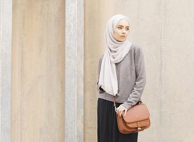 Tips Memilih Warna Hijab yang Sesuai dengan Warna Kulit Supaya Tidak Terlihat Kusam