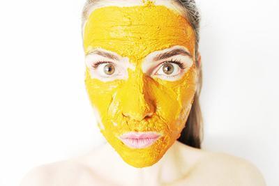 Ingin Wajah Lebih Putih Secara Alami? Coba Resep 4 Masker Alami Ini!