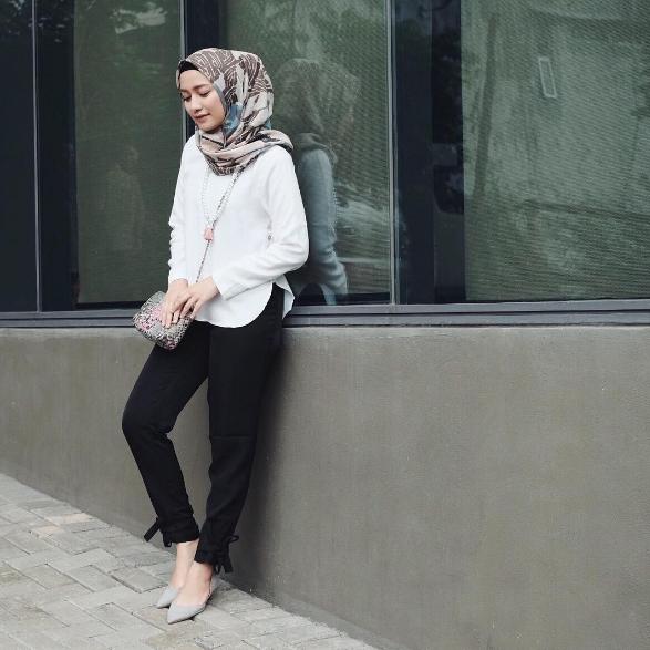 Dengan 6 Model Baju Kerja Casual Muslimah Ini Tampil Modis Ke Kantor Ngga Akan Ribet Muslim