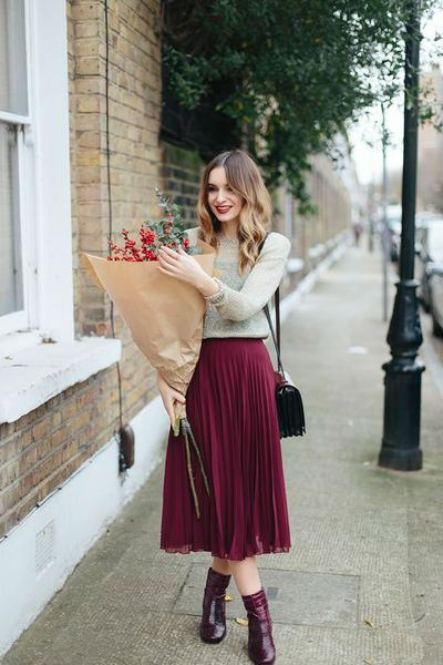 2. Ankle boots + Midi Skirt