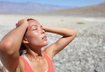 Cara Mudah Mencegah Dehidrasi dan Kulit Kering Saat Puasa