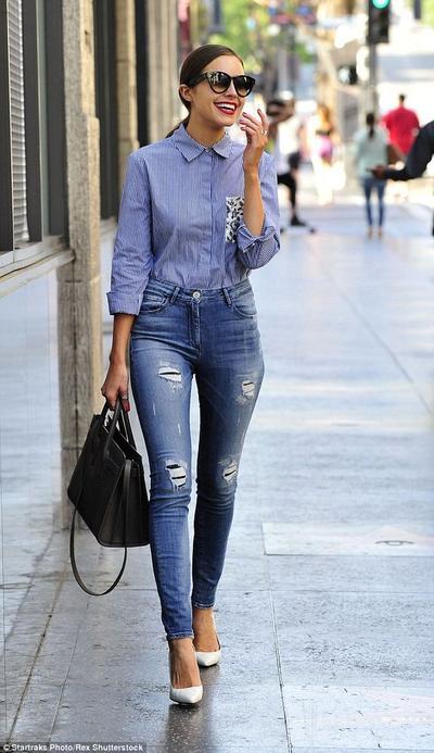 1. High-waist Jeans
