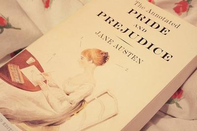 4 Rekomendasi Novel Romance Seru yang Bikin Kamu Sulit untuk Berhenti Baca!