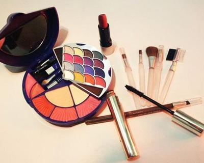 Penting! Ini Dia 5 Tips yang Perlu Diperhatikan Saat Belanja Kosmetik di Online Shop