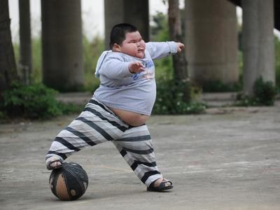 4) Mengandung lemak trans penyebab obesitas