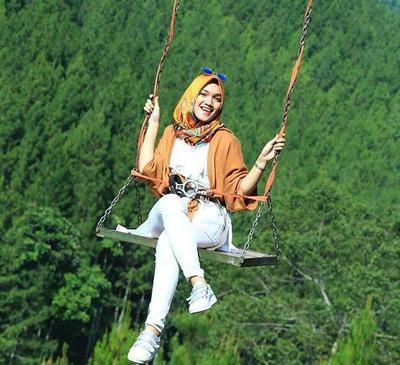 Simak Fashion Ala Hijab Traveler Ini Biar Tetap Stylish Dimanapun!