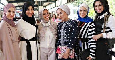 Pilih Warna Jilbab yang Sesuai dengan Tone Kulitmu