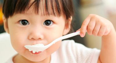 Makanan Apa Saja yang Harus Dikonsumsi Anak Usia 1 Tahun? Yuk, Cari Tahu di Sini!