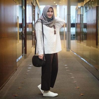 1. Hijab square