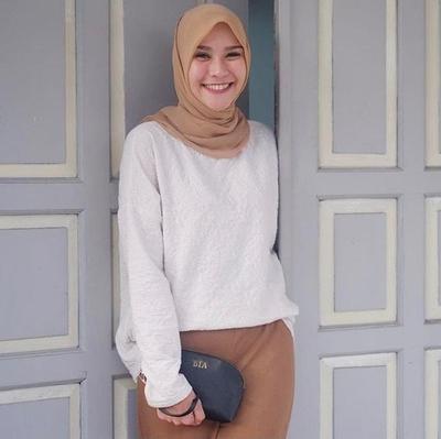 Yuk, Intip 3 Inspirasi Gaya Hijab Simple Ala Zaskia Adya Mecca untuk Tampil Cantik Setiap Hari!