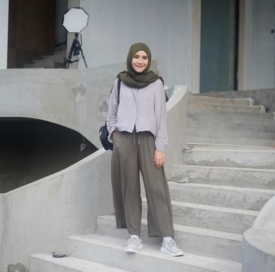 Yuk Intip 3 Inspirasi Gaya Hijab Simple Ala Zaskia Adya Mecca Untuk Tampil Cantik Setiap Hari