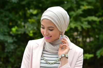 Hemat Biaya dan Dapat Dilakukan Sendiri, Ini Tips Perawatan Rambut Wanita Berhijab!
