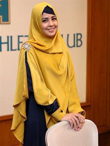 Kreasi Gaya Hijab Ala Risti Tagor dengan Ciput Ninja Kerut