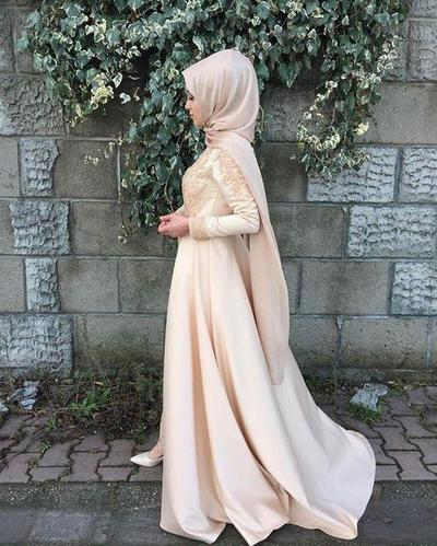 Simple Tapi Cantik, Ini Gaya Hijab Untuk Pesta