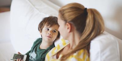 3) Jangan selalu ikut campur urusan anak