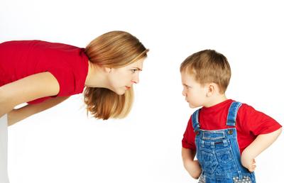 3) Hindari memaksakan sesuatu kepada si kecil