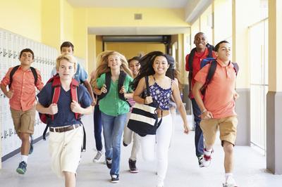 Ini Dia 4 Jurus Ampuh Mendidik Anak yang Beranjak Remaja