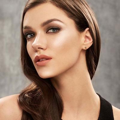 Ini 5 Highlighter yang Dipakai Makeup Artist