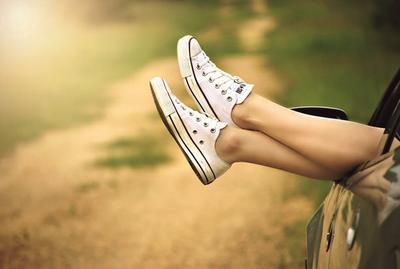 Ikuti 4 Tips Mudah Merawat Sepatu Kanvas Ini Agar Tetap Bersih dan Awet!