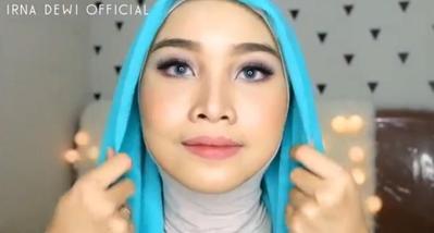 Tutorial Hijab Simple dan Cepat untuk Wisuda
