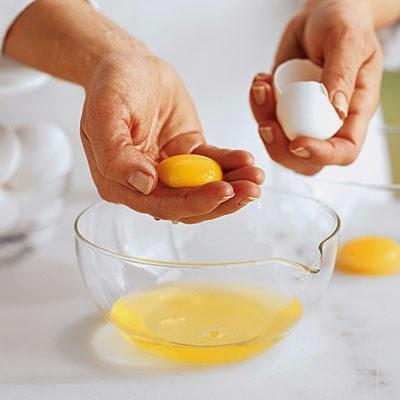 Ladies, Ini Cara Tepat Memakai Masker Putih Telur dan Lemon untuk Cerahkan Wajah!