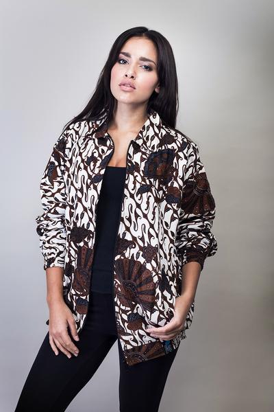 4. Jaket Batik