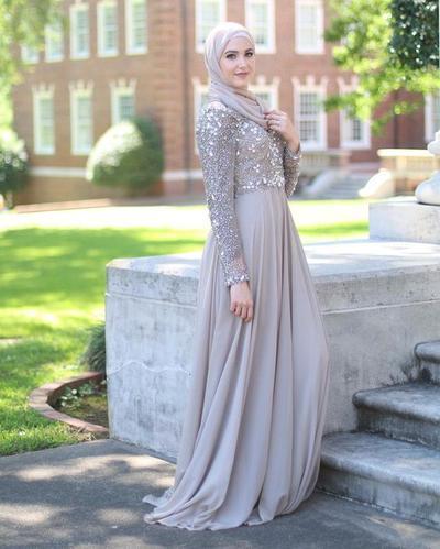 Mewah dengan Gaun Berpayet, Hmm So Gorgeous!