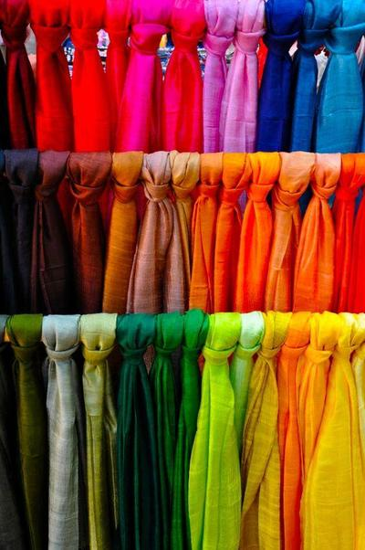 Susun Hijab Spesialmu Sesuai Warna