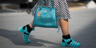 Sepatu Baru Bikin Tumit Lecet? Ini Dia Cara Cepat Mengatasinya!