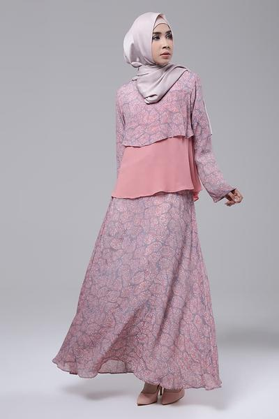 Steal The Look! Fashion Hijab ala Laudya Cynthia Bella Nuansa Batik untuk Acara Formal