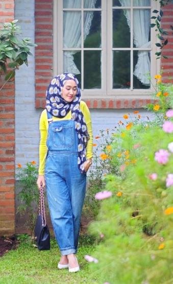 Ini Dia 5 Inspirasi Style Jumpsuit untuk Muslimah ala Dian Pelangi