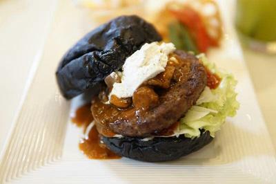 Coba Burger Charcoal Sehat dan Dapatkan Hadiah Menarik Dari MOS Burger di Sini!