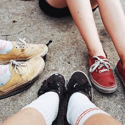 3. Jangan Gunakan Sepatu dalam Keadaan Lembap