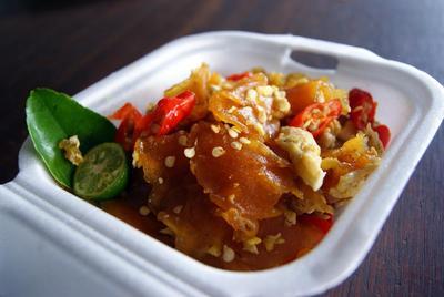 Rekomendasi Makanan Super Pedas di Jakarta yang Bikin Bibirmu Merah Tanpa Lipstik