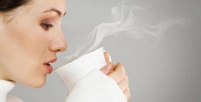 1. Minum Air Putih Hangat