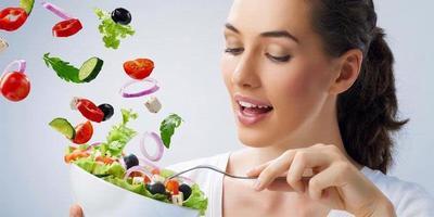 4. Mengonsumsi Sayur Dan Buah - Buahan