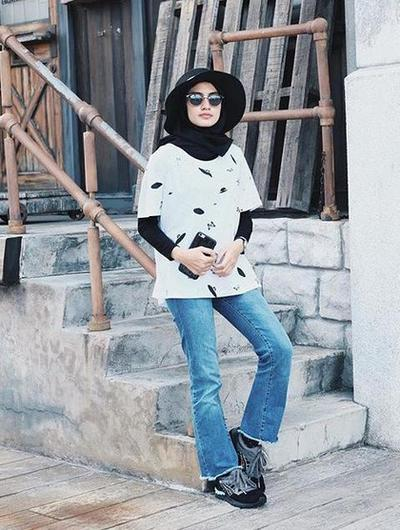 Helmi Nursifah in Cutbray Jeans