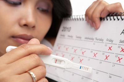 Jangan Bingung, Ini 5 Cara Membedakan Darah Menstruasi dengan Darah Awal Kehamilan!