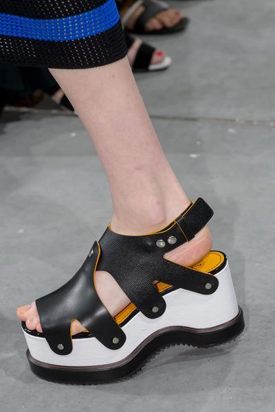 Supaya Enggak Ketinggalan, Ketahui Dulu Style Sepatu Wanita yang Ngetrend di 2017 Ini!