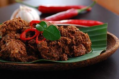 Image result for makanan khas padang rendang