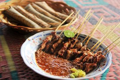 5 Jajanan Tradisional Indonesia Timur Ini Enggak Boleh Banget Kamu Lewatkan!