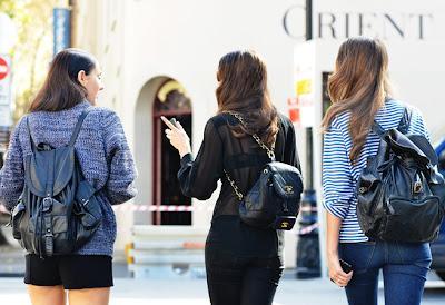 Intip Inspirasi Bergaya 'Chic and Stylish' dengan Tas Ransel
