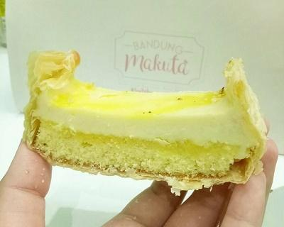 4) Makuta Cake